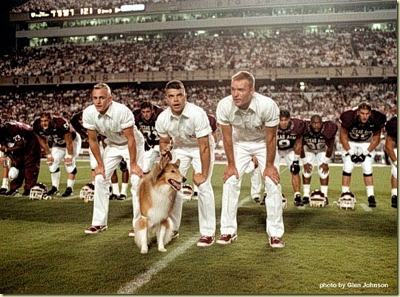 aggie yell leaders humpit_thumb[2] (400x297).jpg